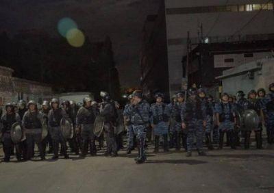 Violento desalojo de la Bonaerense a los trabajadores de Siam en Avellaneda