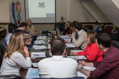 Legislatura: Profesionales presentaron un proyecto para crear una planta recicladora de residuos en Ushuaia