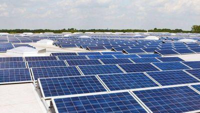 Buscan aprobar la ley que permite inyectar energía solar renovable a la red eléctrica