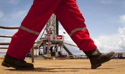 La petrolera rusa Rosneft se reúne con Maduro para abordar el pago en petróleo de los préstamos de Rusia