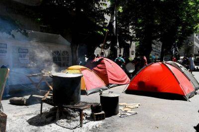 Tras el récord de conflictos y protestas llegan las rejas para cercar el municipio