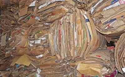 Nueva carga de material reciclable: 8000 Kilos de cartón ya no son basura en Castelli