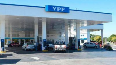 En Berisso quieren cobrar una tasa al combustible y cargar nafta será más caro