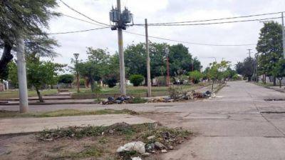 Piden erradicar basurales de las esquinas de la plazoleta Gumersindo Gorosito