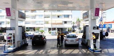 La nafta es más barata en Argentina que en Uruguay y Brasil