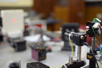 "Investigadores bonaerenses desarrollan un ""mamógrafo óptico"" libre de rayos X"