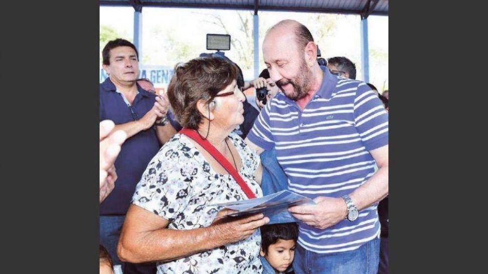 Insfrán anunció un bono de 5.000 pesos para estatales, jubilados y pensionados