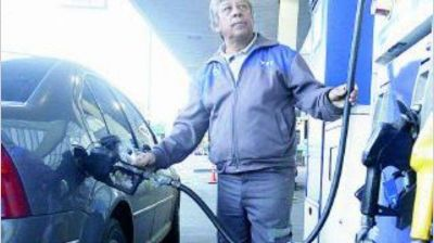 YPF baja hoy hasta 1,5% sus naftas y aumenta 3,2% el gasoil