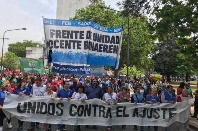 """Docentes bonaerenses comienzan la semana con un nuevo paro provincial en contra de la """"rebaja salarial"""""""
