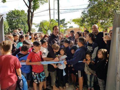 Ariel Sujarchuk inauguró la plaza del barrio Lambertuchi de Belén de Escobar