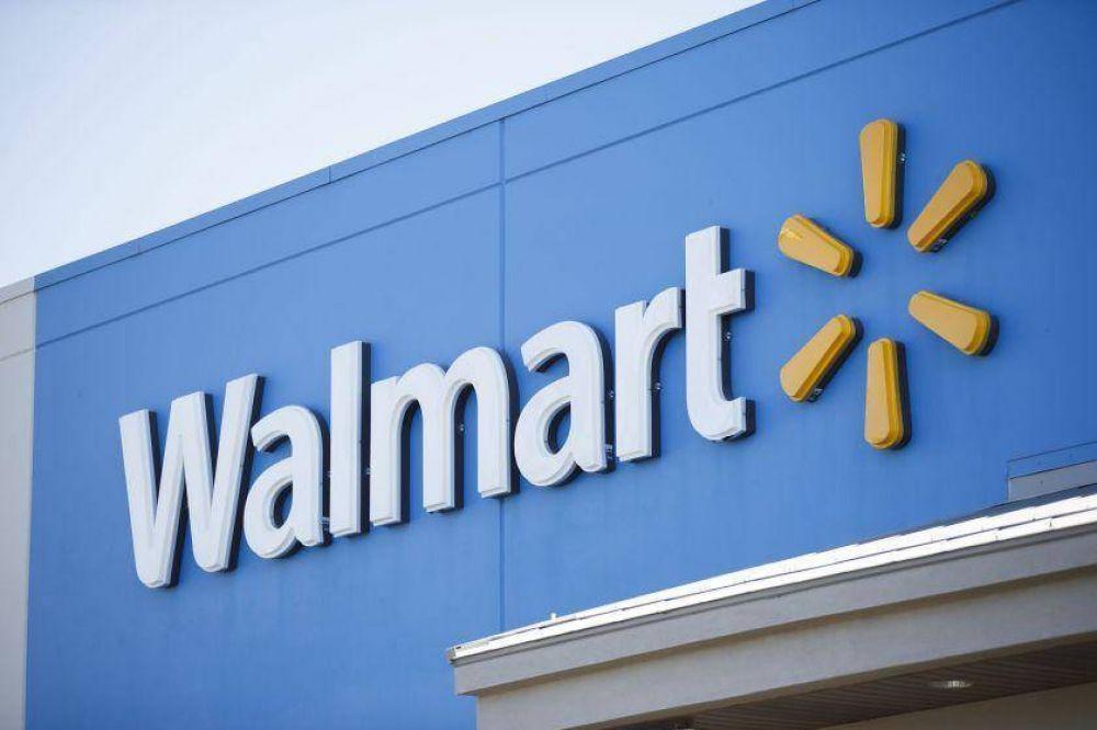 Empleados robotizados limpiarán pisos en una tienda de Walmart
