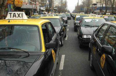 Taxis: dieron el primer aval para subir la bajada de bandera a $52,50