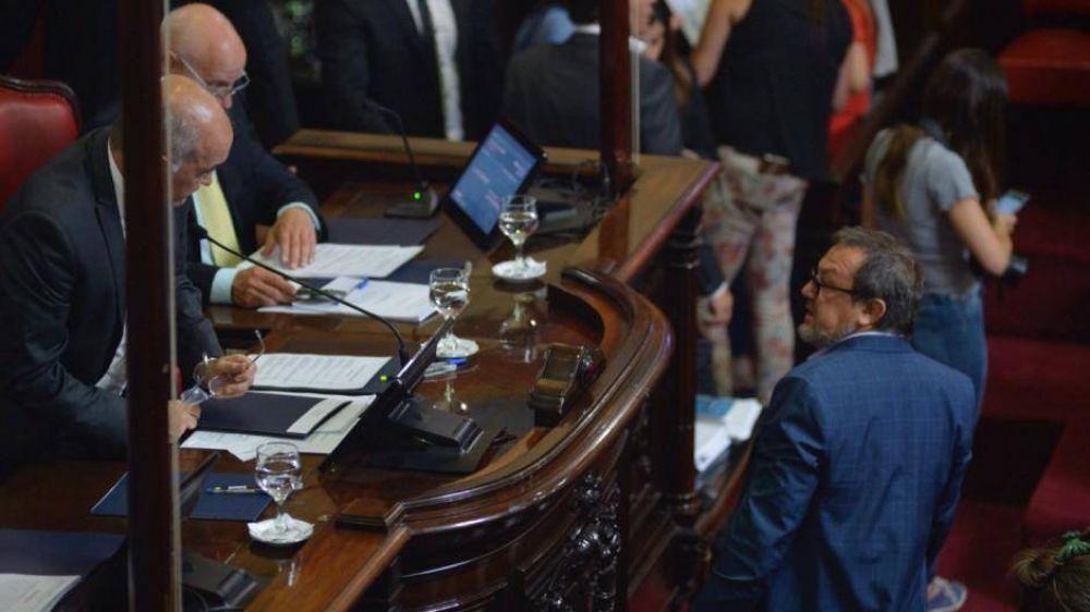 Con Massa y el peronismo como aliados, Vidal logró aprobar el endeudamiento de 68.500 millones