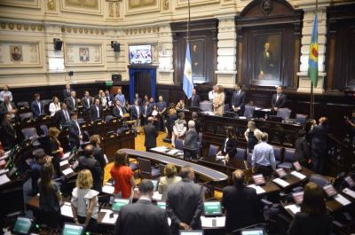 Vidal ya cuenta con Presupuesto, endeudamiento y Ley impositiva para el año electoral
