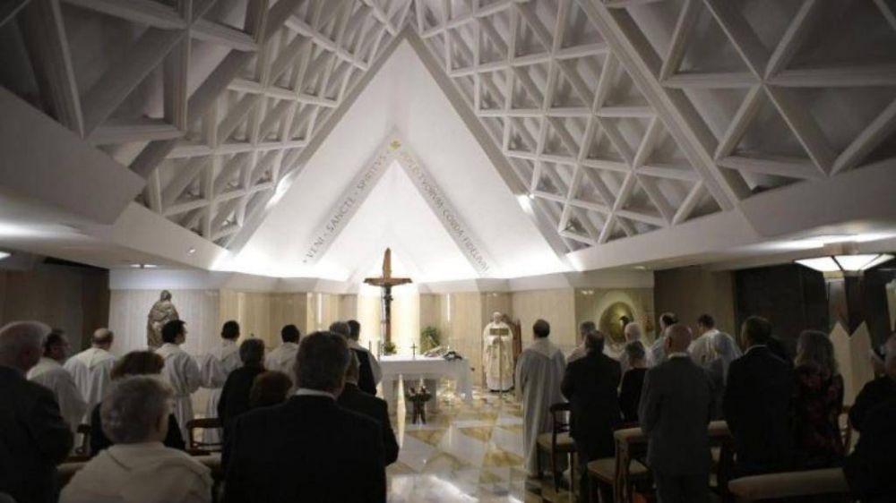 """El Papa pide no """"mundanizar"""" la Navidad: no nació el arbolito, sino Jesús"""