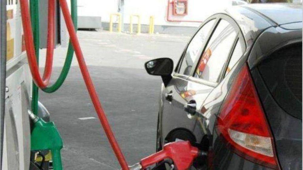 Petroleras se reúnen para bajar costos en estaciones de servicio