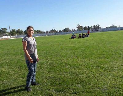 Entrega de subsidio gestionado por la diputada Laura Aprile