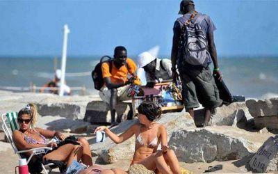 El municipio destinará inspectores para controlar la venta ambulante en las playas