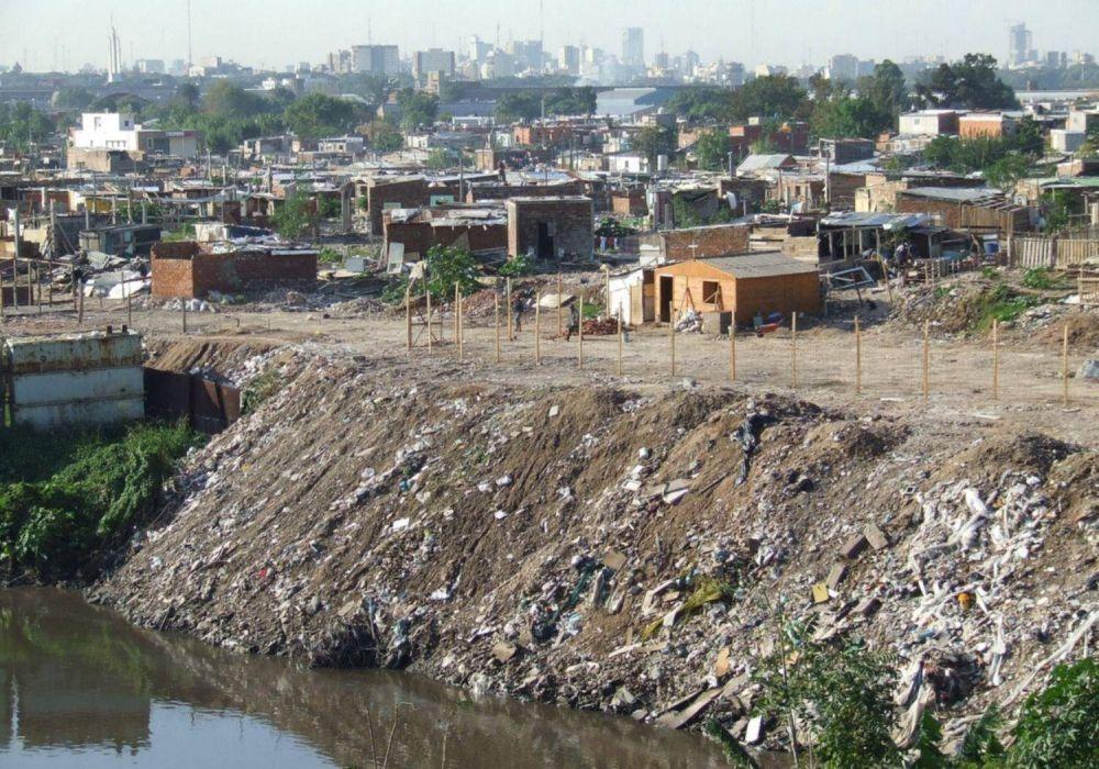 Logran reducir con microalgas la contaminación del Riachuelo