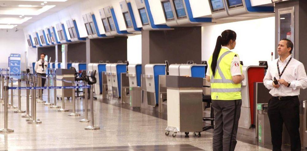 Aerolíneas Argentinas dice que por los paros bajó la puntualidad y perdió participación de mercado