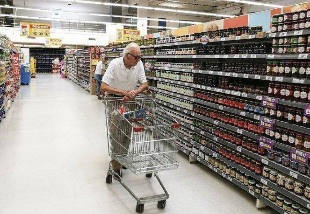 El dilema de los supermercadistas: no pagar bono, despedir empleados o bajar las persianas