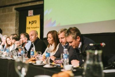 Superlunes político: cada uno por su lado, el Pro y el Frente Renovador se alistan para 2019
