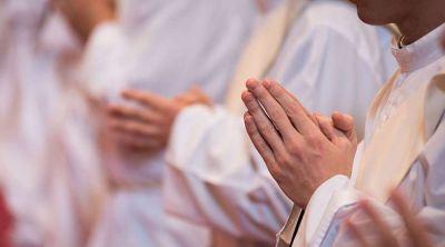 """Mons. Aguer: En la Iglesia el celibato sacerdotal se mantiene como una """"perla preciosa"""""""