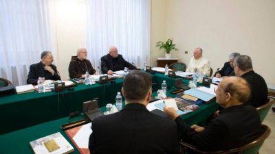 El Papa participa en la reunión del Consejo de Cardenales