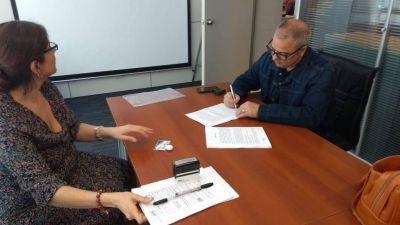 Bordoni firmó convenio por el programa ASETUR