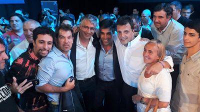 En campaña: Facundo López con Massa en el Congreso del FR