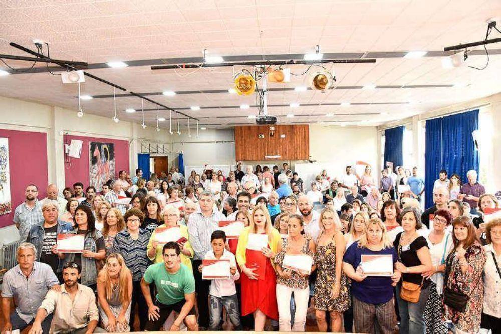 Un centenar de instituciones locales fueron reconocidas por el municipio