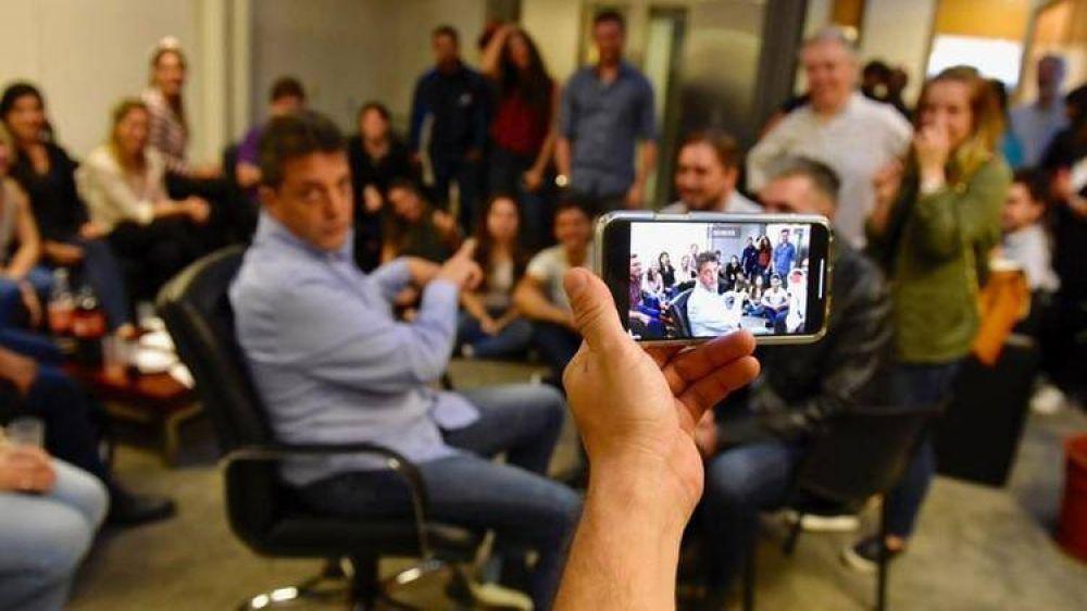 Los cien community managers de Massa y empanadas para el team digital