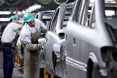 El SMATA alerta por 15 mil nuevos despidos en la industria automotriz y amenaza con un paro