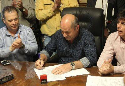Secco dará un bono de fin de año de 12.000 pesos a los municipales