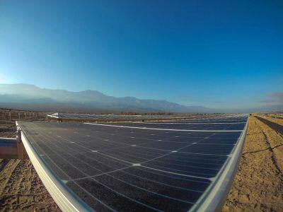 Comenzó a operar el parque solar de Saujil y se inaugurará a fin de mes