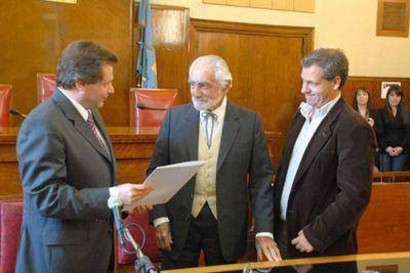 Willy Araoz Peralta Ramos recibió la distinción de ciudadano ilustre