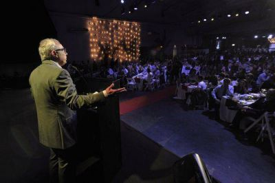 Zamora manifestó su apoyo al turismo como política de estado