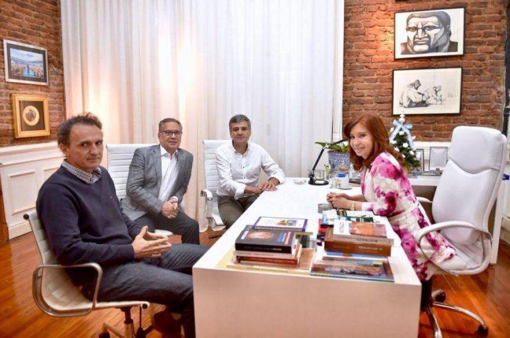 Cristina recibió a intendentes del Conurbano y el interior y toma fuerza su candidatura