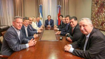 Alternativa Federal suma a otro gobernador y busca consolidar una propuesta electoral para competir con Cambiemos y el kirchnerismo