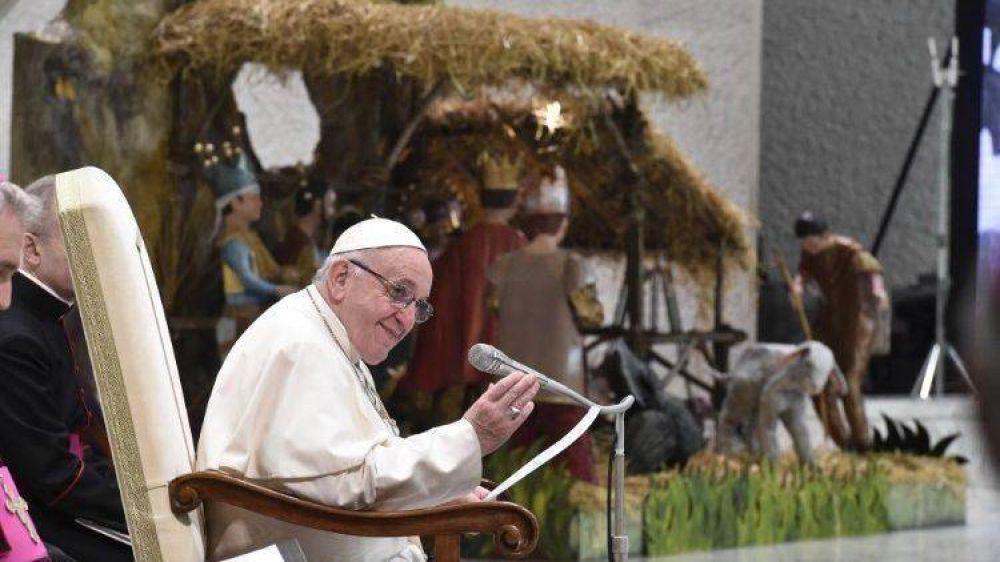 Catequesis del Papa: no mundanizar la Navidad, celebrar a Dios