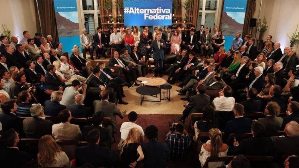 En un encuentro que reunió a 150 dirigentes, Alternativa Federal explicitó la vocación de competir en 2019