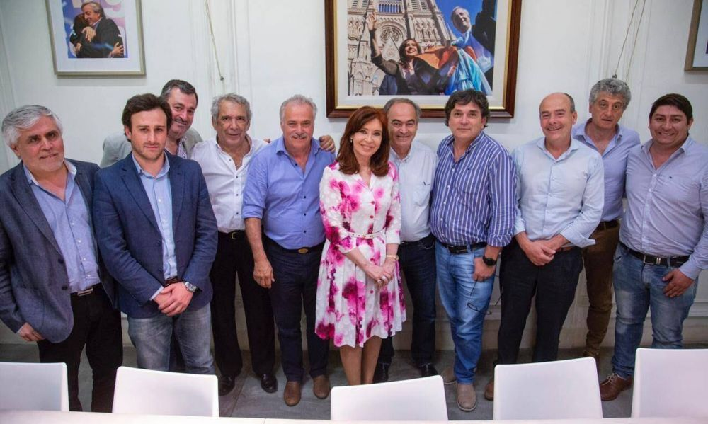 Con CFK en modo Jefa, intendentes en guardia por la definición de listas
