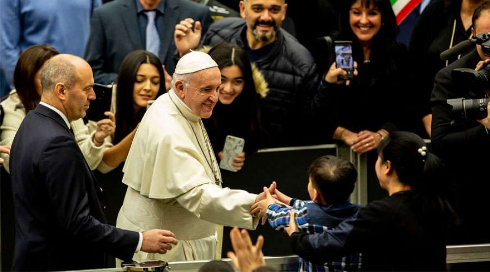 El Papa Francisco invita a dejarse sorprender por Jesús en esta Navidad