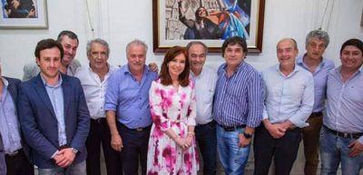 Barrera, muy cercano a Cristina Kirchner en un acto con miras a las elecciones del 2019