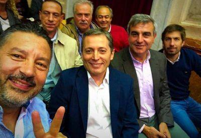 El PJ Bonaerense bancó a Menéndez y le apuntó a Vidal y a Macri