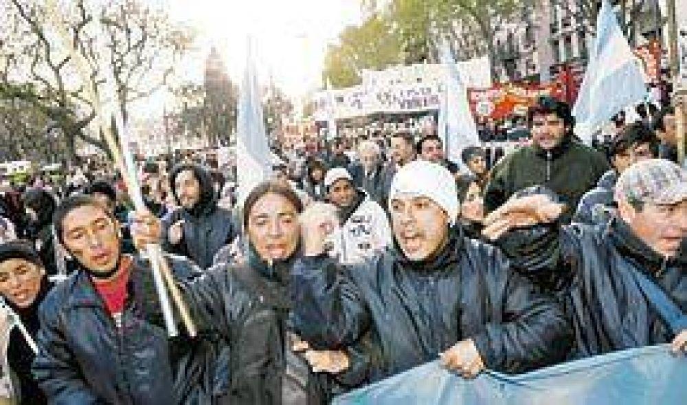 Protestas, cortes y caos de tránsito en la Capital y en varias provincias