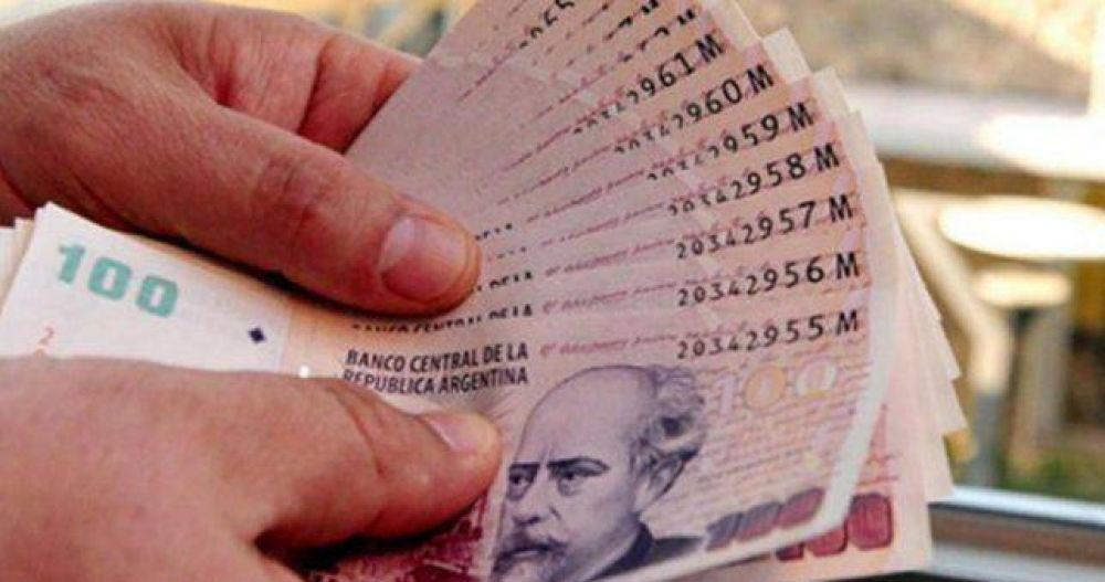 La mitad de los ocupados gana menos de 15.500 pesos