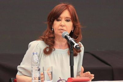 Cristina Kirchner está activa y se gesta un