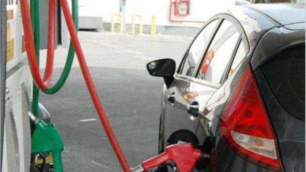 El petróleo local sale 15% menos pero todavía no tiene impacto en naftas