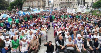 Se conformó el primer sindicato de pasivos y se lanza a agremiar a 6,8 millones de jubilados